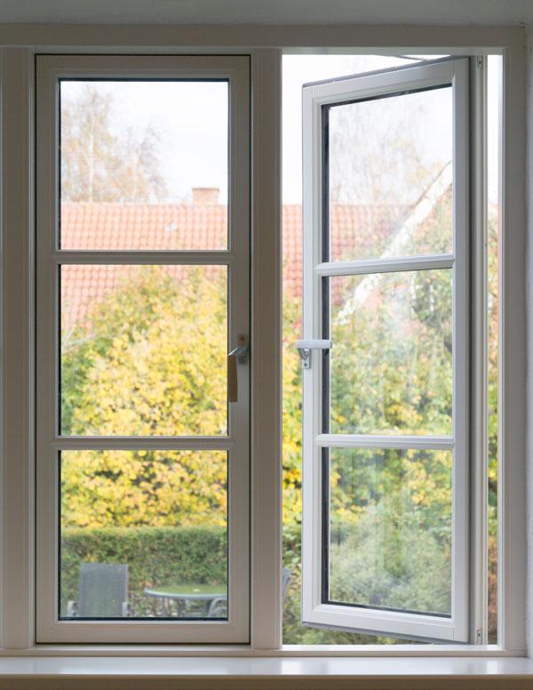 sidehængte vinduer billede